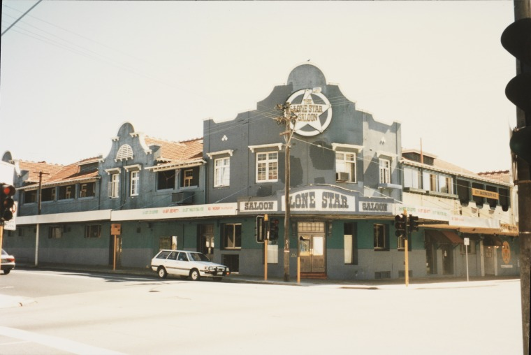 Lone Star Saloon and City Backpackers HQ, 1996 (Courtesy SLWA, Battye Library b3970412_2)